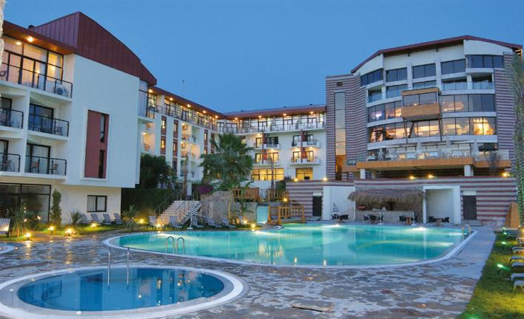 Çeşme Pırıl Hotel